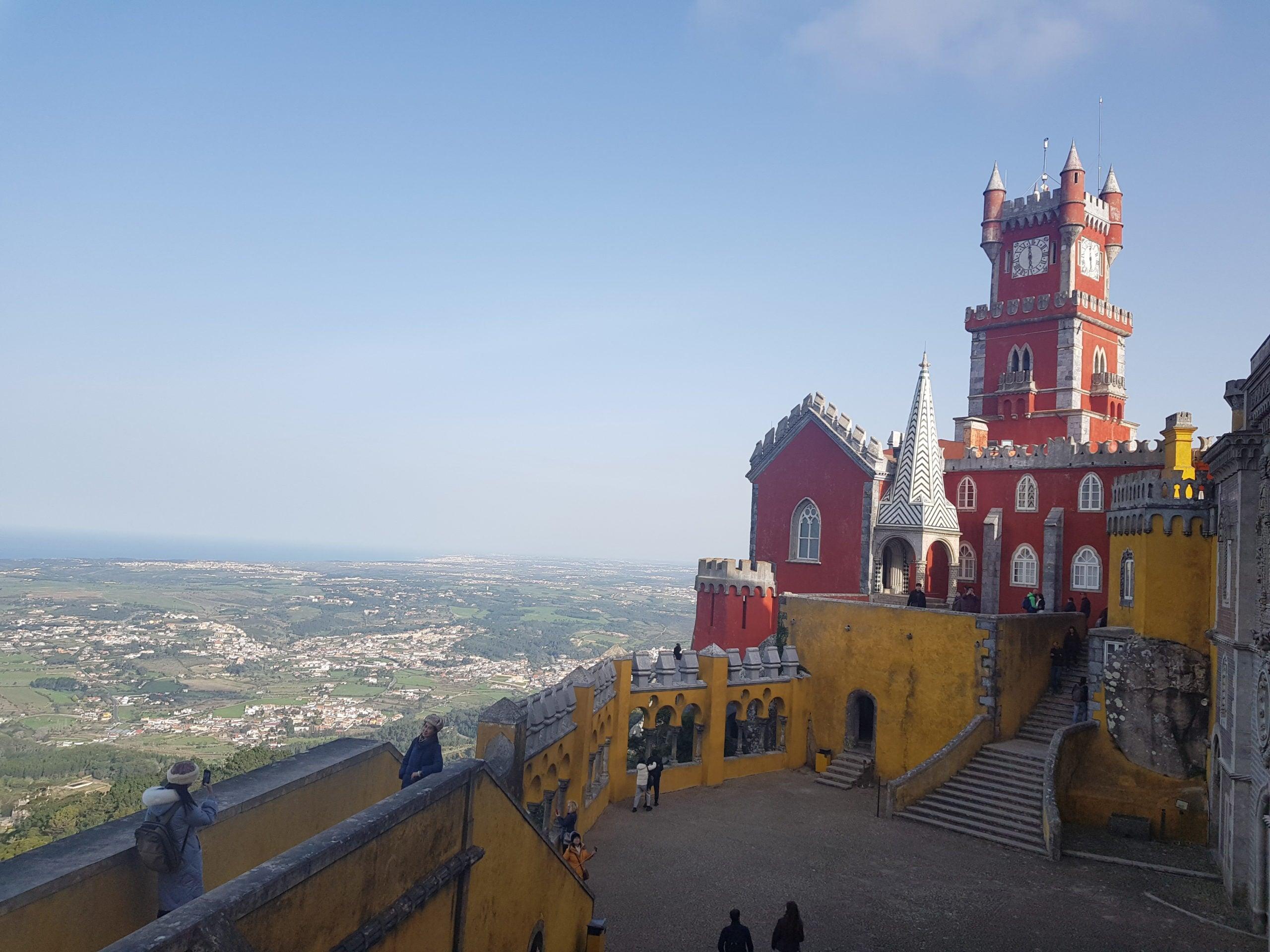 Palatul Pena este in topul obiectivelor vizitate in Sintra